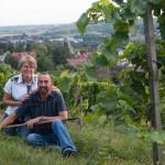 Elke und Eckhard im Weinberg